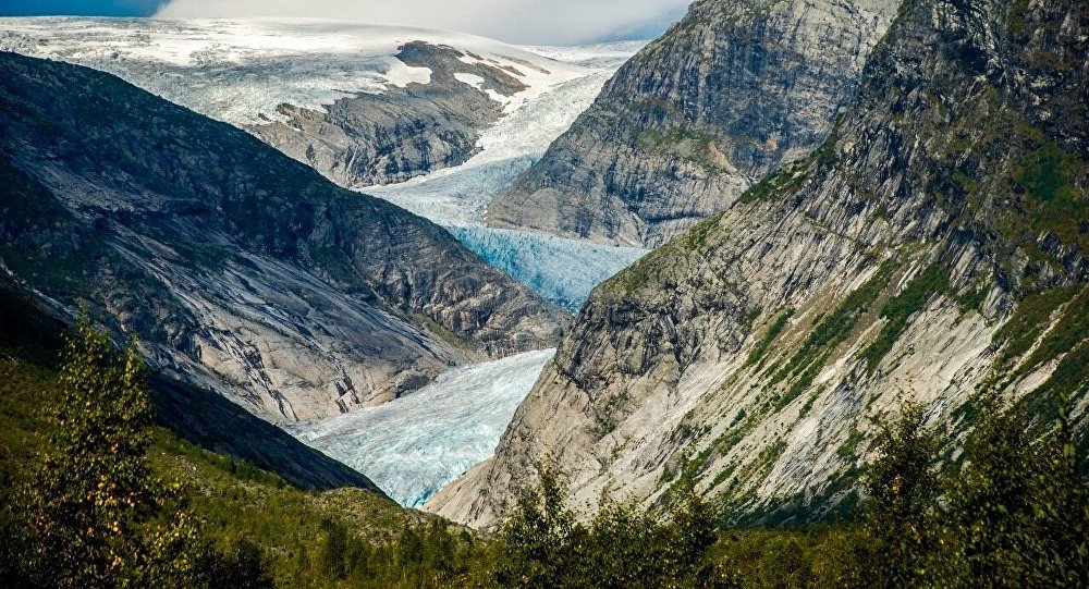 extinction of glaciers essay The dramatic melting of the world's mountain glaciers – from the alps to the  himalayas – is mostly the result of man-made global warming.