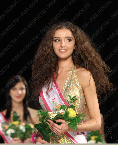 Irina Getmanova, 19, a student at the Novosibirsk Siberian State Academy of Geodesy, won the Miss Siberia 2009 beauty pageant.