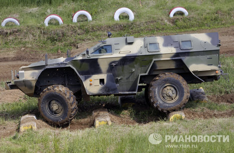 The test range in Bronnitsy outside Moscow hosted a major show of military vehicles. Designers demonstrated new models as well as updated versions of older designs. Photo: an armored vehicle based on the Kamaz truck.