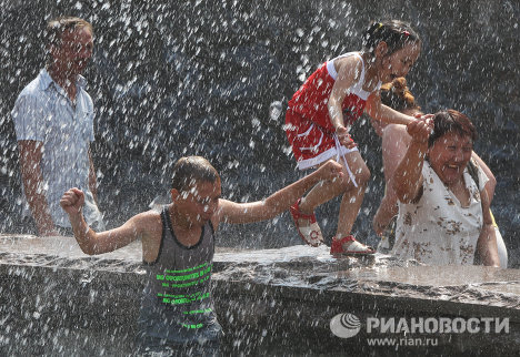 The temperature in Moscow reached 30 degrees Celsius on June 30, hitting this summer's record high.