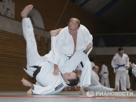The prime minister regularly takes part in judo bouts.