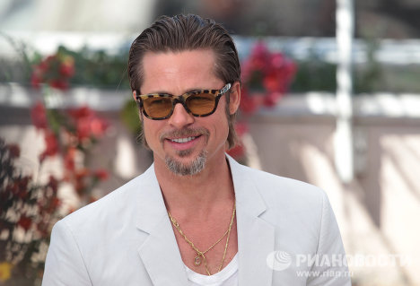 Brad Pitt regrets that his vegetarian convictions are not shared by his wife Angelina Jolie.