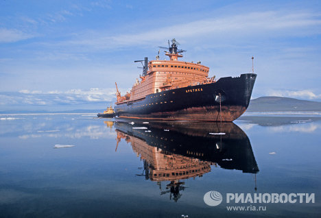 On August 17, 1977, at 4:00 am Moscow time the Arktika legendary icebreaker became the first surface ship ever to reach the North Pole. This happened 35 years ago.