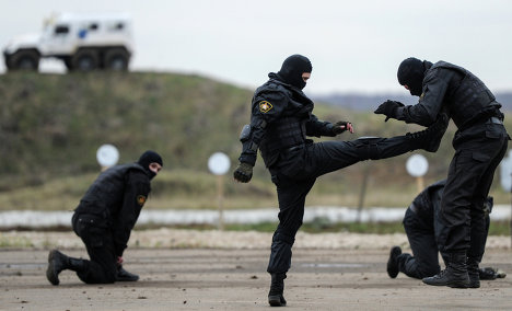 A demonstration program was rehearsed at the Krasnoarmeisk Testing Range near Moscow as part of the Interpolitex 2012 exhibition of security equipment.