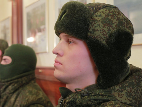 The clothing can be adapted to specific weather conditions and objectives.